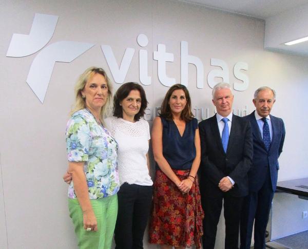 Firma convenio F.Querer y F. Vithas Nisa 03LOW