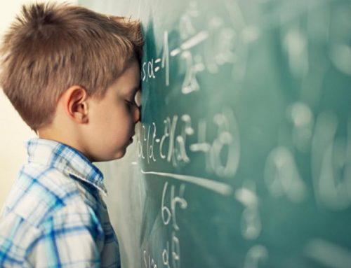Los niños que viven en hogares con alto nivel de estrés y contaminación tienen un mayor riesgo cognitivo